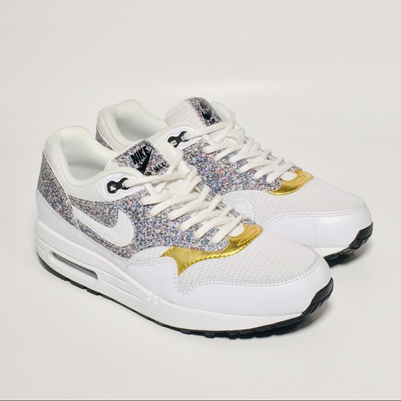 Women's Classic Shoes 881101 100 Nike Air Max 1 SE White